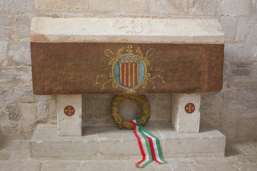 Jolánta királyné sírja a Santa María de Vallbona nevű királyi kolostorban.
