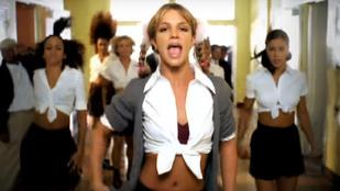 Ön szerint melyik elmosódott statiszta lehet D. Tóth Kriszta Britney Spears Baby One More Time című klipjében?
