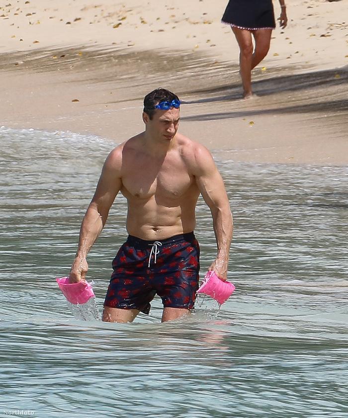 Nehéz nem elképzelni Klitschkót ezekben a pompás, rózsaszín karúszókban, de sajnos csalódást kell okoznunk,