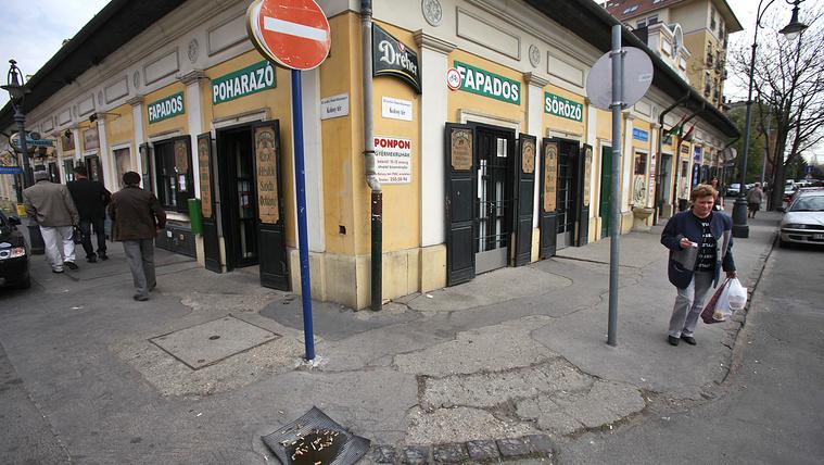 Tiborcz köre versenyez Gerendaival a Kolosy téri piacért