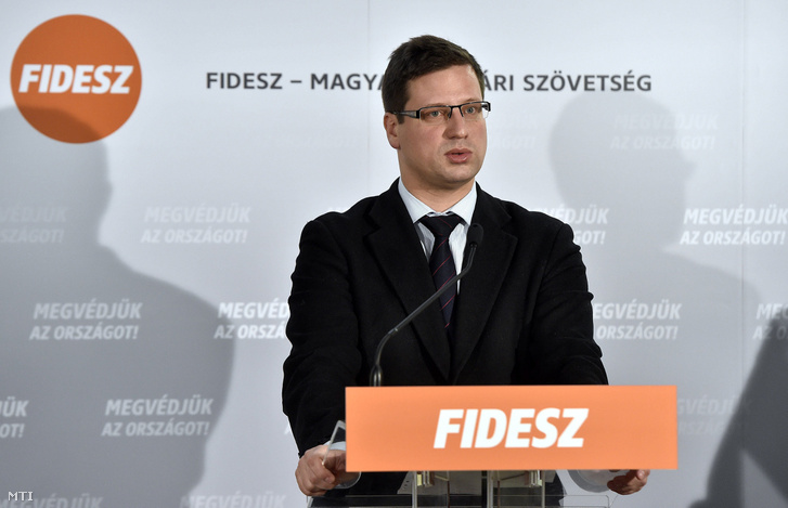 Gulyás Gergely a Fidesz-KDNP frakcióülésén, 2018. február 15-én.