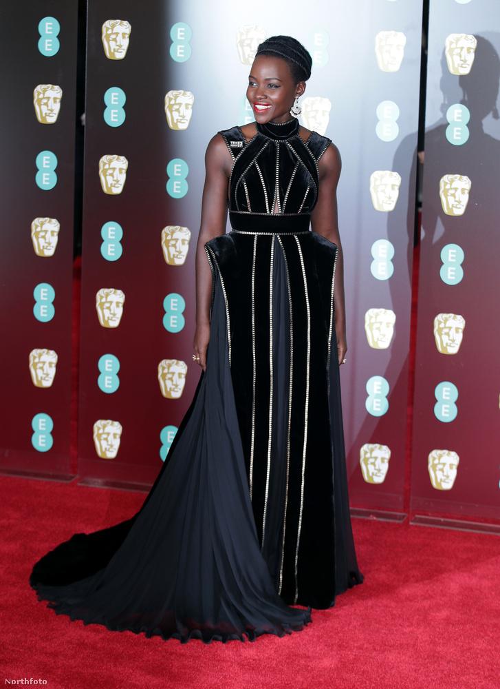 Az Oscar-díjas Lupita Nyong'o is így tett.