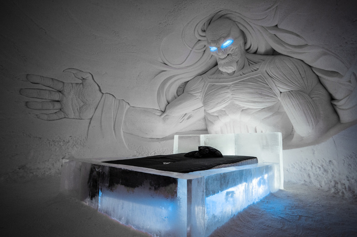 snowvillage-thrones-2017-2018-whitewalker-00001-1304x9999