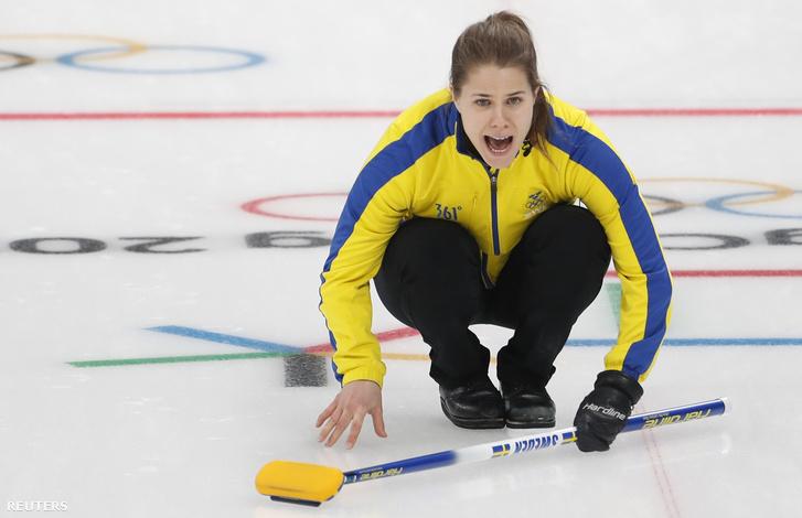 Anna Hasselborg a svéd curlingválogatott tagja