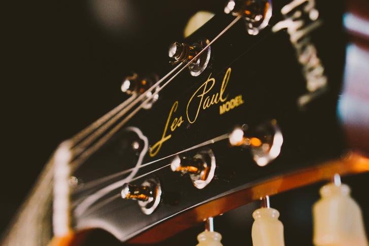 music-guitar-string-instrument-musical-instrument-close-up-13239