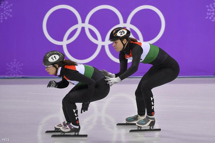 Jászapáti Petra (b) és Keszler Andrea a rövidpályás gyorskorcsolyaverseny női 3000 méteres váltó táv B döntõjében a phjongcshangi téli olimpián a Kangnung Jégcsarnokban 2018. február 20-án.