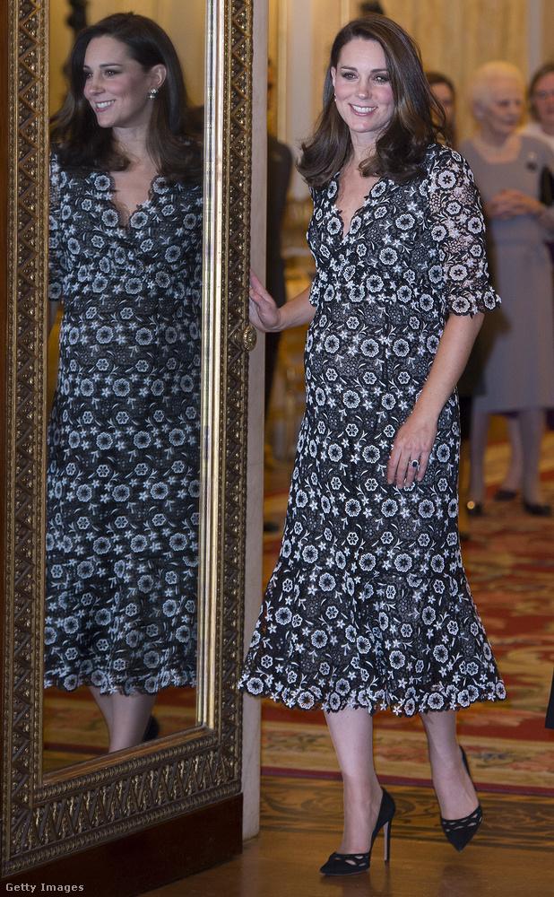 Hétfőn a Buckingham-palotában tartották a brit nemzetközösség divateseményét, Commonwealth Fashion Exchange Reception néven