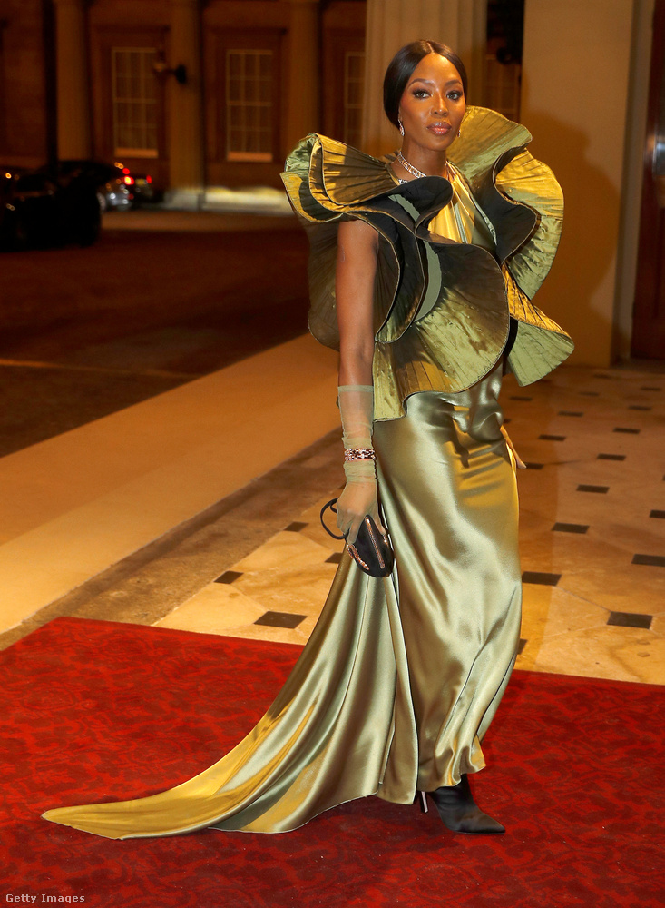 A háziasszonyos Katalin hercegné vagy a modellistennő Naomi Campbell tetszik önnek jobban? A következő lapon szavazzon mindenki, akinek van véleménye!