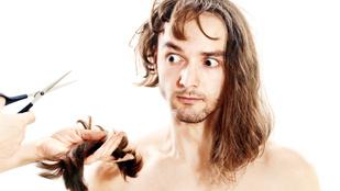 Bírósági ügy lett egy borzasztóan rossz frizurából