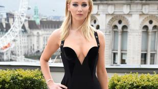 Jennifer Lawrence keményen leoltotta azokat, akik kritizálták a hidegben viselt szexi ruhája miatt