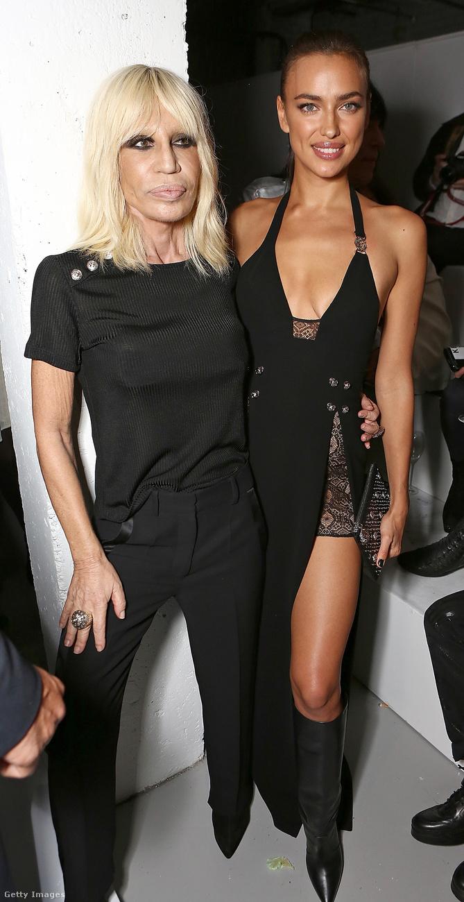 Donatella Versace szerint a csodálatos a legelcsépeltebb szó jelenleg a divatban.