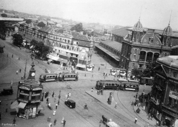 A tér a Westend-házzala 30-as években