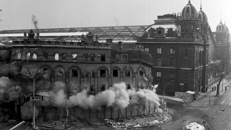 Bűnös ház, bárcák, életek: 40 éve robbantották fel a Westendet