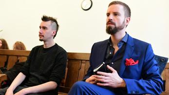 Gulyás Mártont 220 óra közmunkára ítélték a festékdobálás miatt