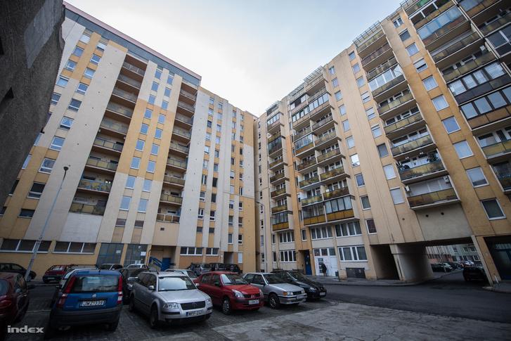 A bérházak és a panelok tanácsi lakásaiban évtizedekig folyt a szobáztatás