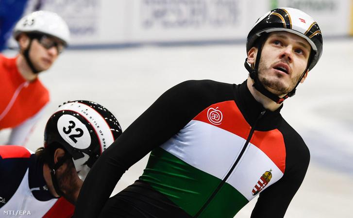 Knoch Viktor a drezdai rövidpályás gyorskorcsolya Európa-bajnokság férfi 1000 méterének negyeddöntője után 2018. január 14-én.