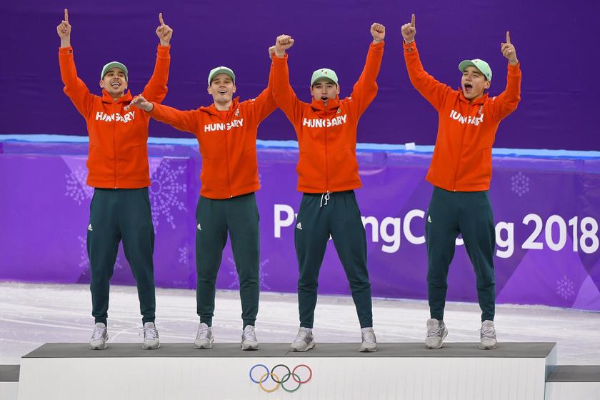 Ők a győztes magyar válogatott, balról: Burján Csaba, Knoch Viktor, Liu Shaoang és Liu Shaolin Sándor.
