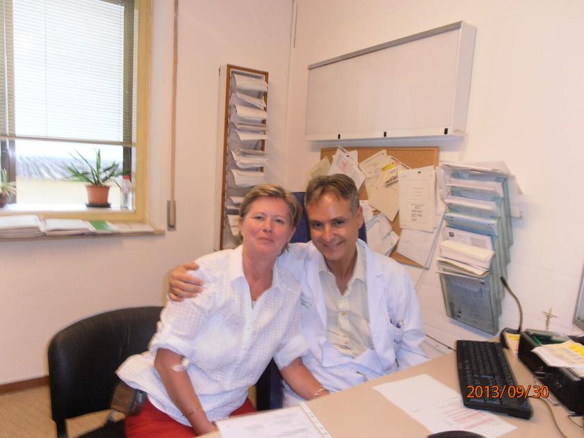 Katalin kezelőorvosával, Dr. Cobóval.