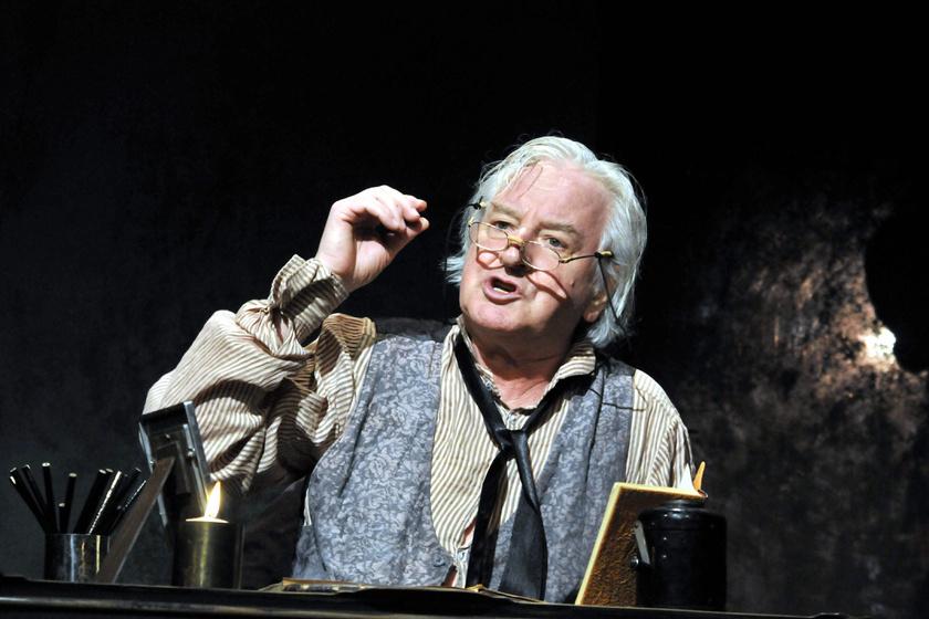 Tahi Tóth László Nyikolaj Vasziljevics Gogol Egy őrült naplója című monodrámájában még 2010-ben.