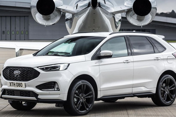 Széllel szemben a Ford?