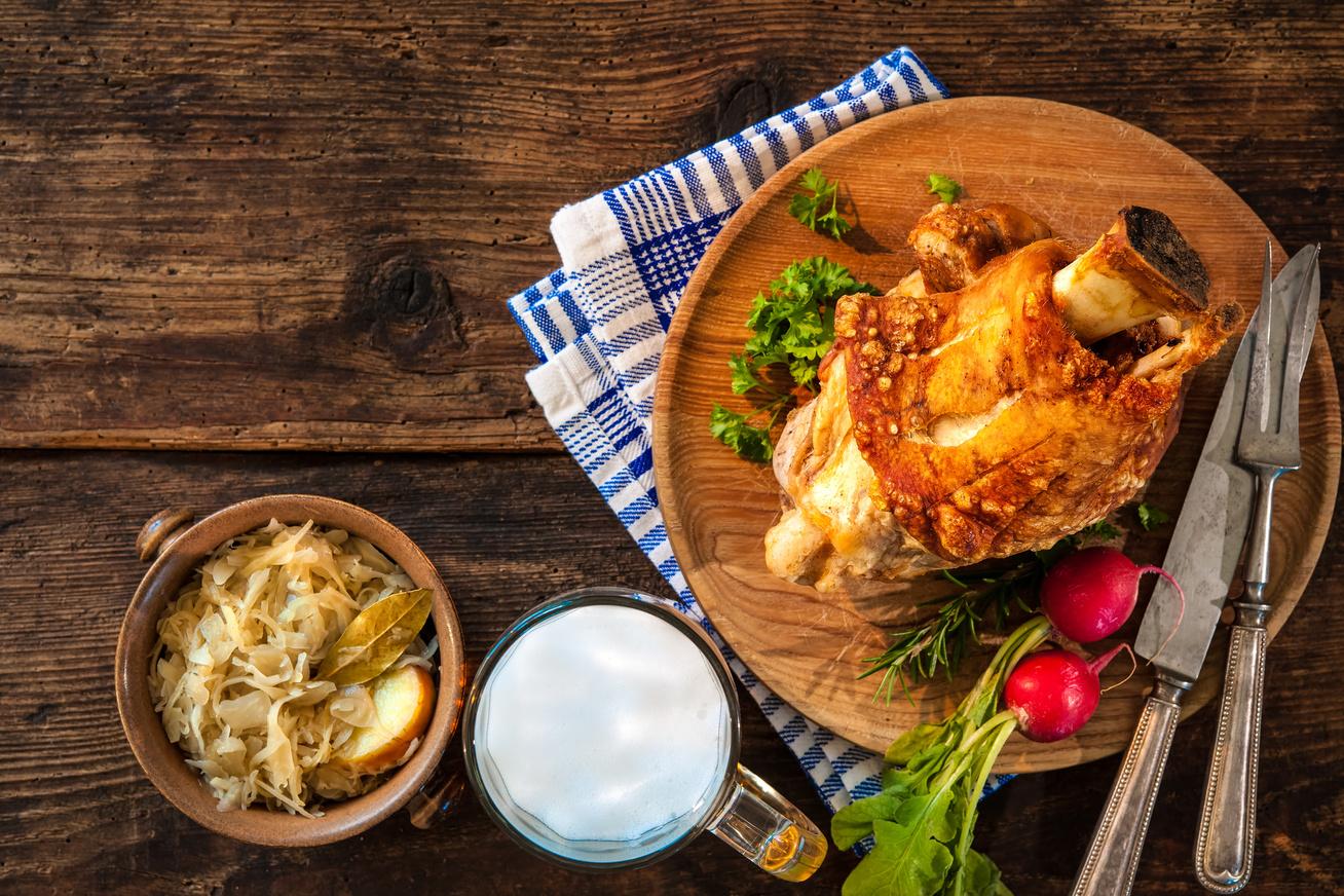 Pikáns, szaftos, sörben sült csülök: omlós hús, ropogós bőr