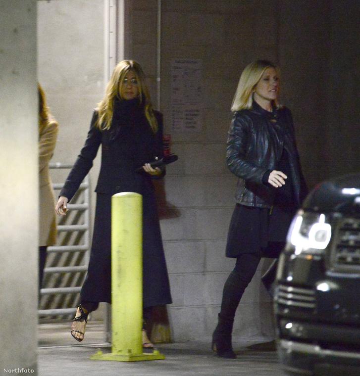 Jennifer Aniston február közepén jelentette be hivatalosan, hogy válnak a férjével, azóta pedig nem nagyon lehetett látni a színésznőt