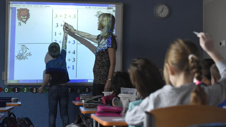 Pontos számok mutatják meg, mekkorát zuhant a magyar iskola