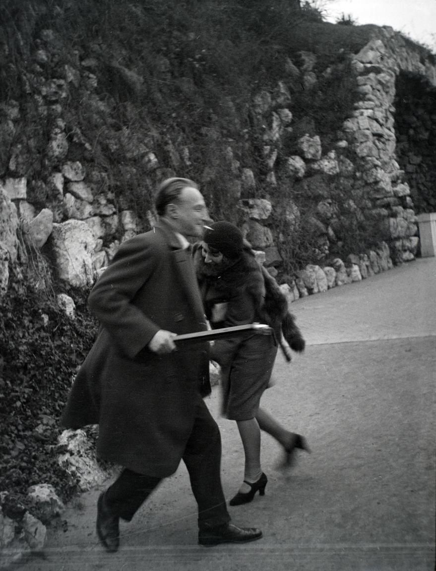 Prága, 1931 – áll a fotó hátlapján. A felvétel Kurtz Auguszta albérletében készült.