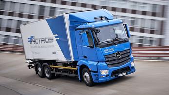 Elektromos kamionokat tesztel a Mercedes
