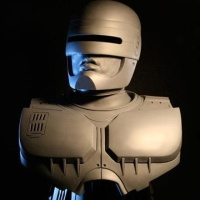 Robotzsaru szobra (forrás: Fred Barton Productions)
