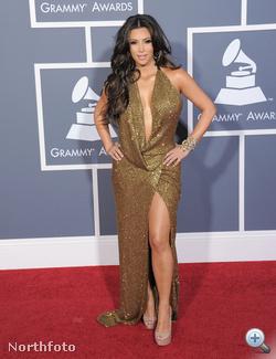 Kim Kardashian bal lába megérkezett a Grammy-díjkiosztóra