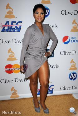 Toni Braxton egy olyan bulin, amit a Grammy-díjak tiszteletére rendeztek a multik