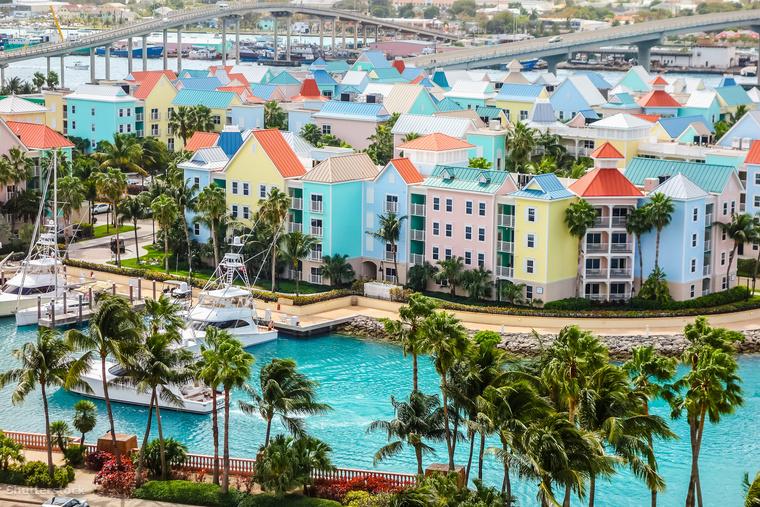 A Bahamákat legújabb James Bondunk, Daniel Craig is megjárta