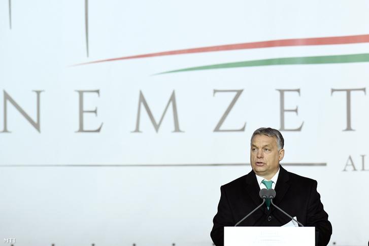 Orbán Viktor miniszterelnök beszédet mond a felújított Nemzeti Lovarda avatásán a Kerepesi úton 2018. február 24-én.