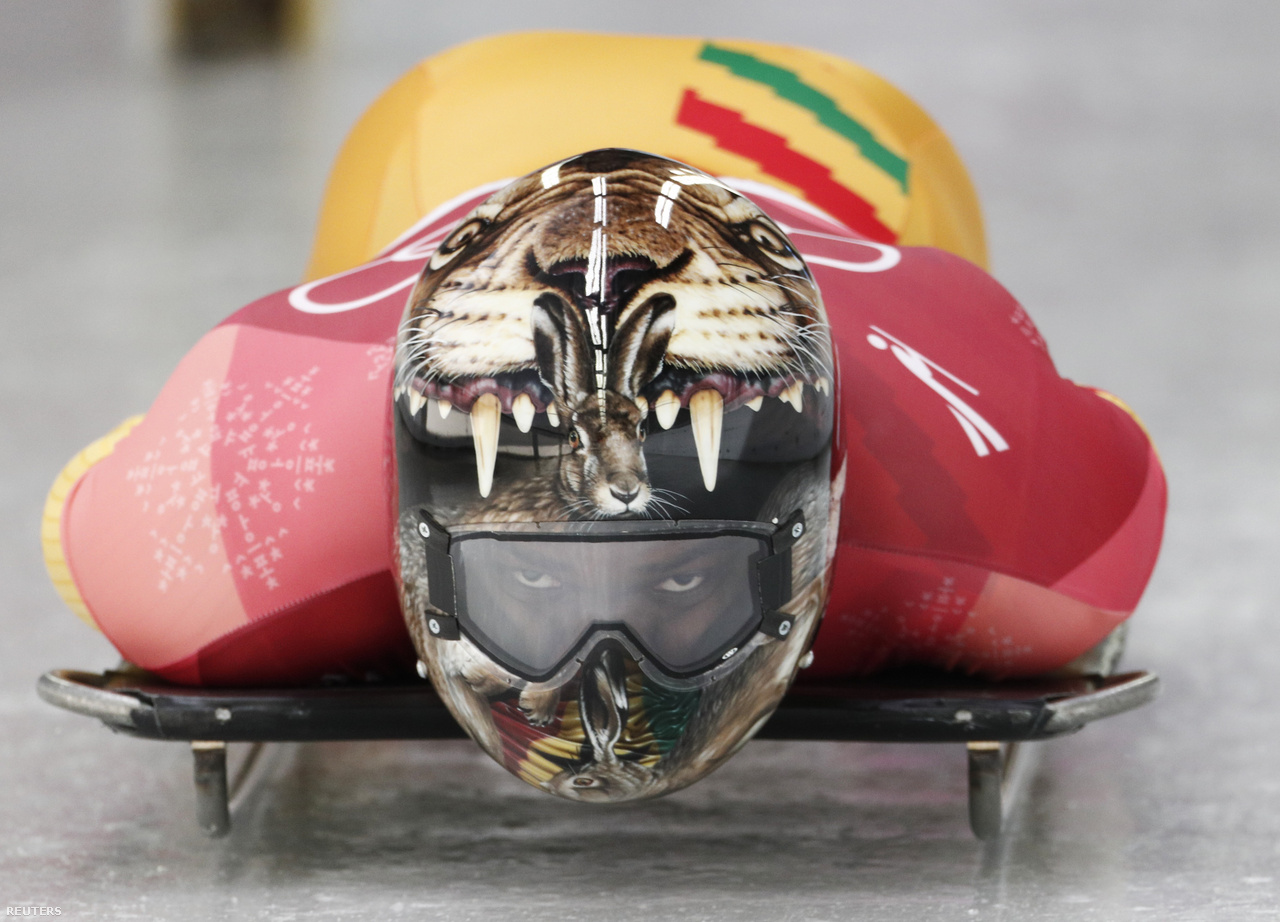 30 évvel a Calgaryban közönségkedvenc férfiak után ezúttal jamaicai női bobcsapat indult, de ghánai és nigériai szkeletonosok, és nigériai bobosok is történelmet írva voltak ott az olimpián. A férfi kettes bobosok előfutamában volt egy látványos bukás, a német kettős az utolsó kanyart rontotta el, de csak a célvonal után borultak fel a bobbal, úgyhogy így is meg tudták nyerni a második futamot, és előztek összetettben is. A döntőben viszont már nem tudtak az élen végezni, a kanadai kettős lett az aranyérmes a második németek, és a harmadik Lettország előtt.