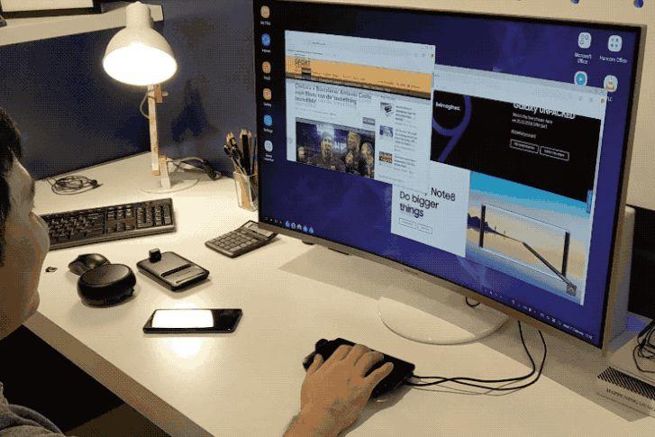 Touchpadként is működik a telefon, használhatjuk rajta a nagyítós ujjmozdulatot, mint a mobilokon
