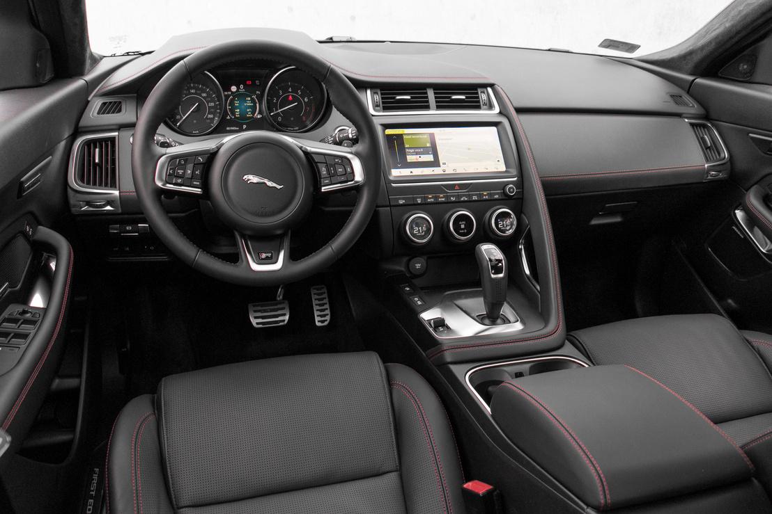 Ez is ugyanazt akarja nyújtani, mint a többi Jag - de azért pár ponton a minőség nem egy Audi-szint