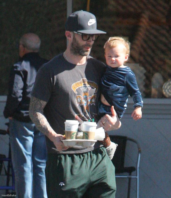 Úgy látszik, Levine-ék szeretnek fiúneveket adni a lányaiknak, mert a Dusty eredetileg a Dustin becézése volt (igaz, már női névként is kezd terjedni), és a Gio név pedig az o végződéssel szintén elég férfiasan hangzik, az olaszban a Giovanni, azaz János név becézése