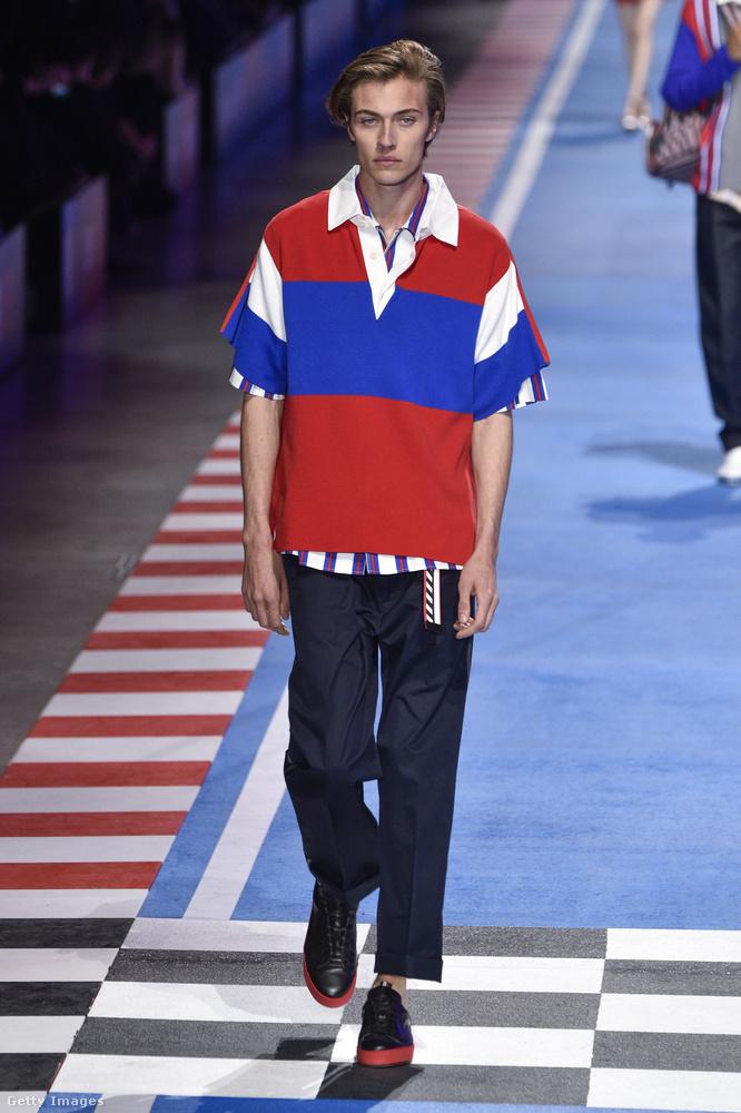 Ő Lucky Blue Smith, aki generációjának egyik leghíresebb férfimodellje, könnyen megjegyezhető, kicsit cigarettamárkára emlékeztető névvel