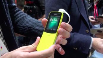 Kipróbáltuk Neo új telefonját a Mátrixból