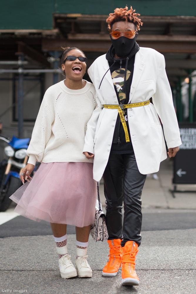 New Yorkban nagyon megy a tüll és a feltűnő cipők.