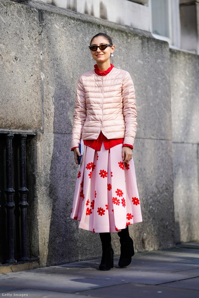 Elegánsabb formában is divatos összeengedni a rózsaszínt a pirossal.