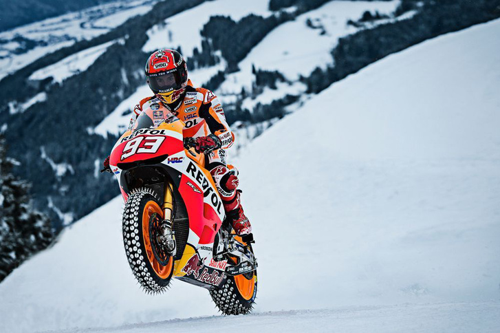 video-marc-marquez-rides-honda-motogp-bike-up-downhill-ski-cours