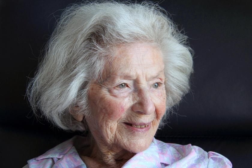 Ata Kandó a hollandiai Bergenben lévő idősek otthonában 2016. március 16-án