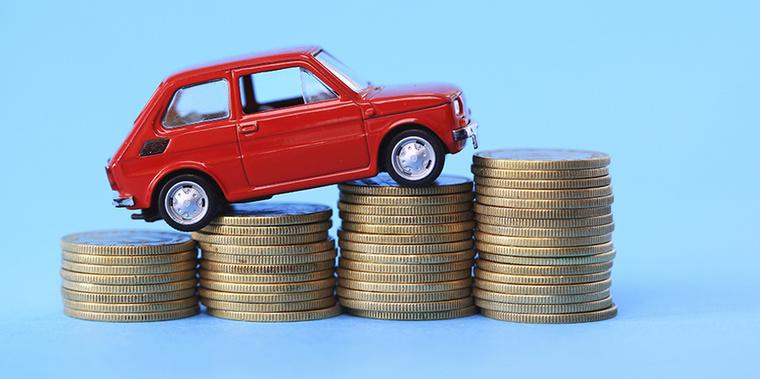 Olcsón csak nyomorúságos és apró új autót lehet venni? Nem egészen: hárommillió alatt találunk családi autót, a Ladák és Daciák mellett pedig egy Toyota is feltűnik
