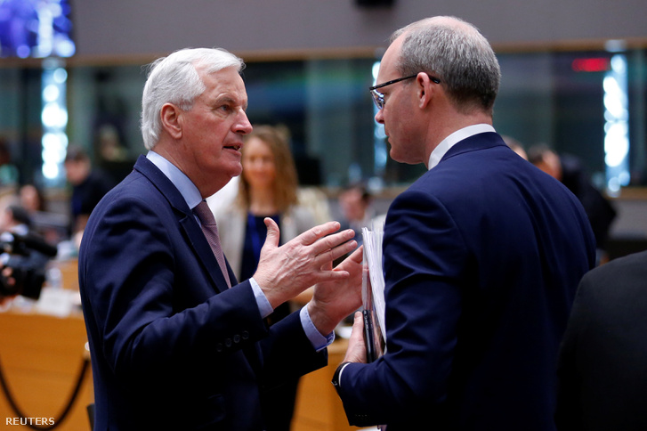 Michel Barnier, az EU brexit-tárgyalásokat vezető megbízottja és Simon Coveney ír külügyminiszter