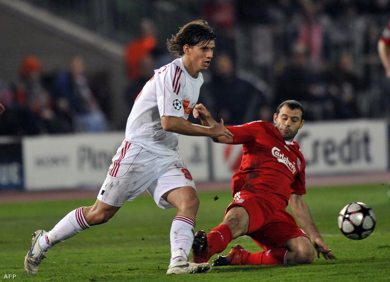 Jelen pillanatban a Vasas SC csapatát erősíti, de ott van a magyar válogatottban is.