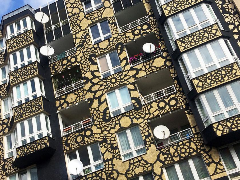 Örülhettek a berlini ház lakói azon a reggelen, amikor NeSpoon elkészült ezzel a gyönyörű munkával.