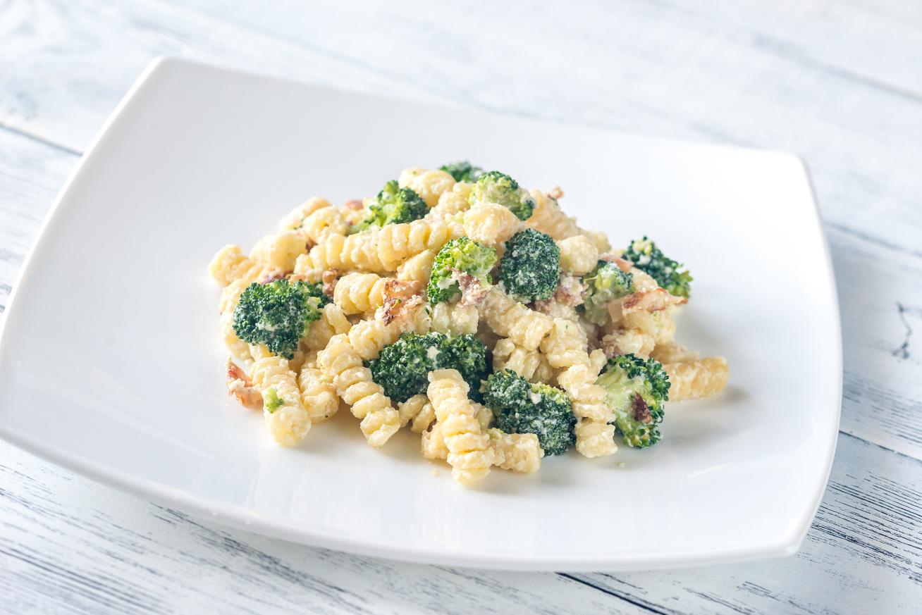 Brokkolis, baconös tészta tejszínnel és sajttal - A szósz valami fenséges