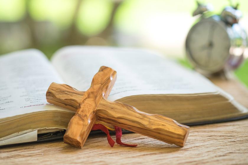 biblia-kereszt